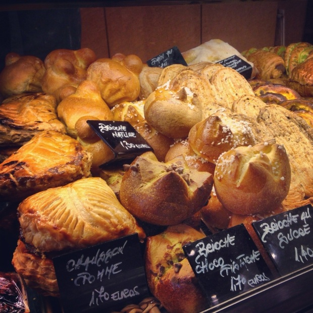 A Boulanger (Baker) in Marais with the plump Brioche on display